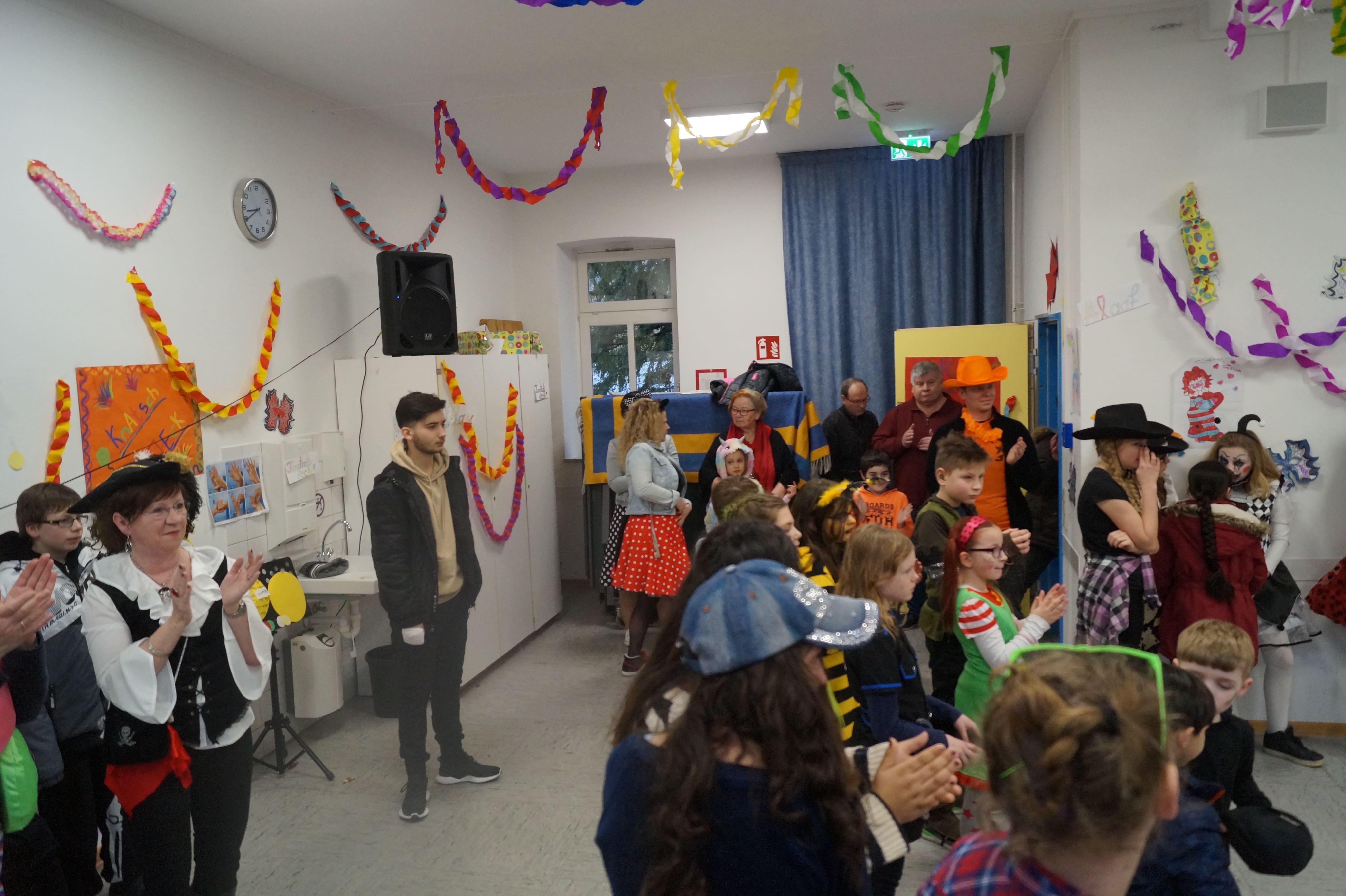 karneval 2020 burgweg schule (121)-min
